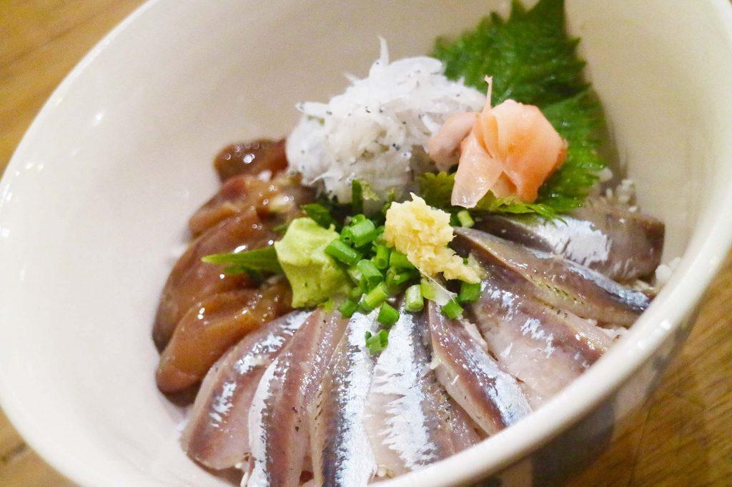 ワルン沖縄 鰯海丼