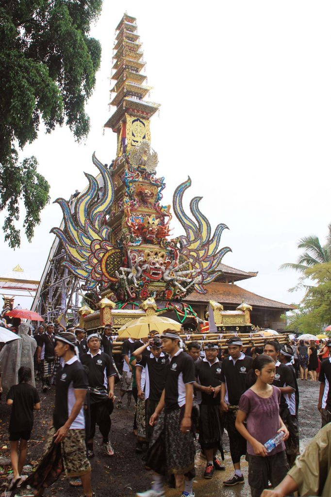 バリ島のお葬式 ガベン