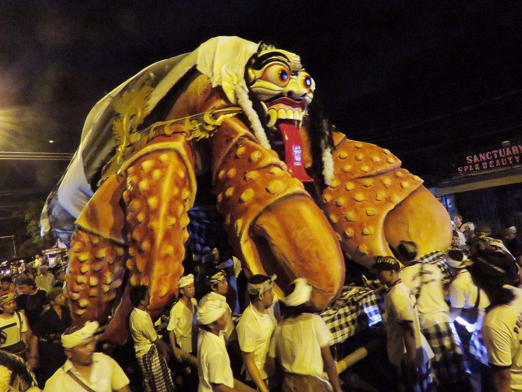 ニュ前日お祭り オゴオゴ