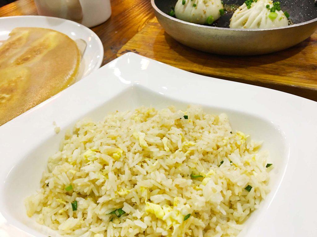 シンガポール 炒飯