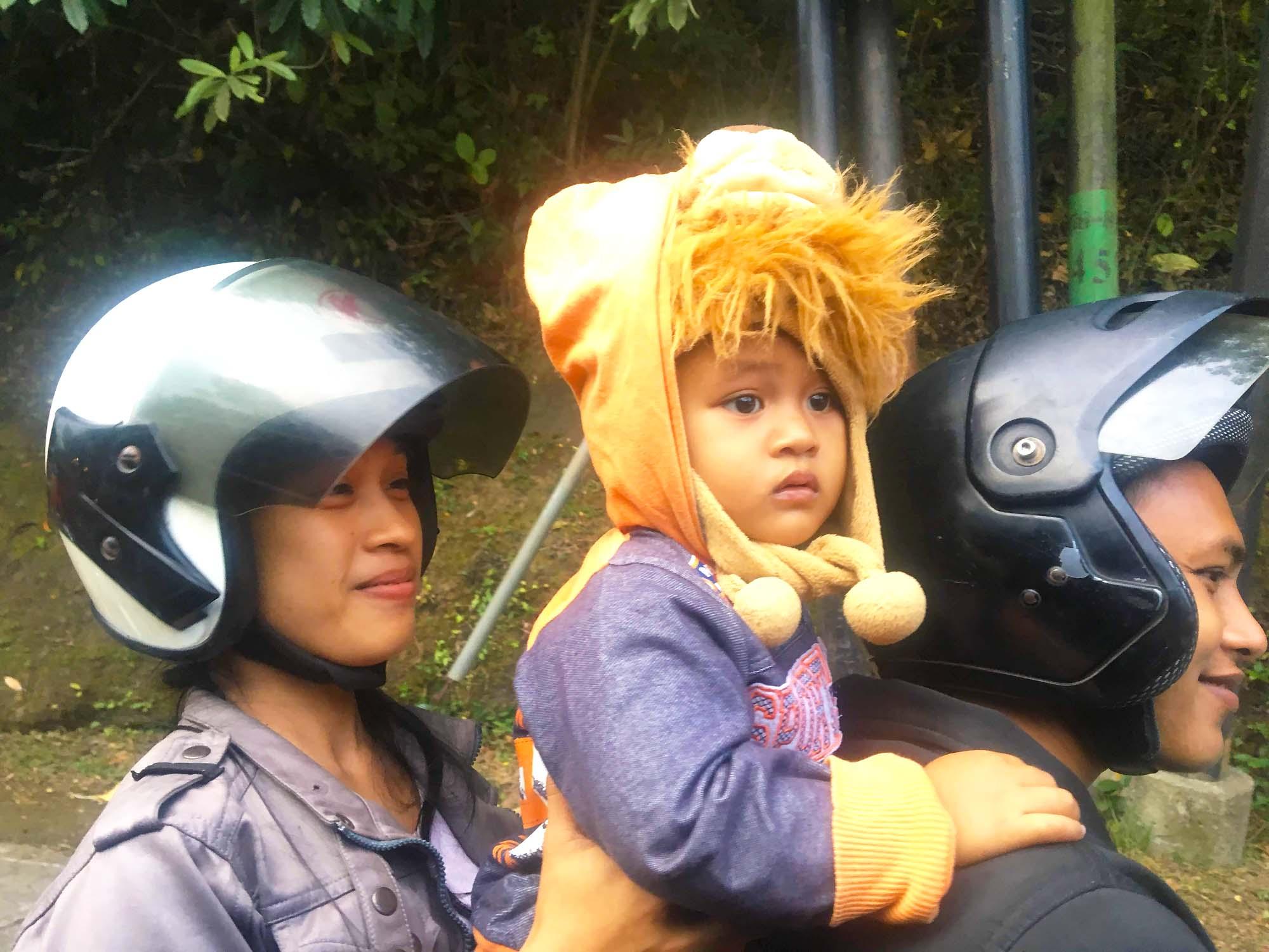 バリ島 バイクの親子