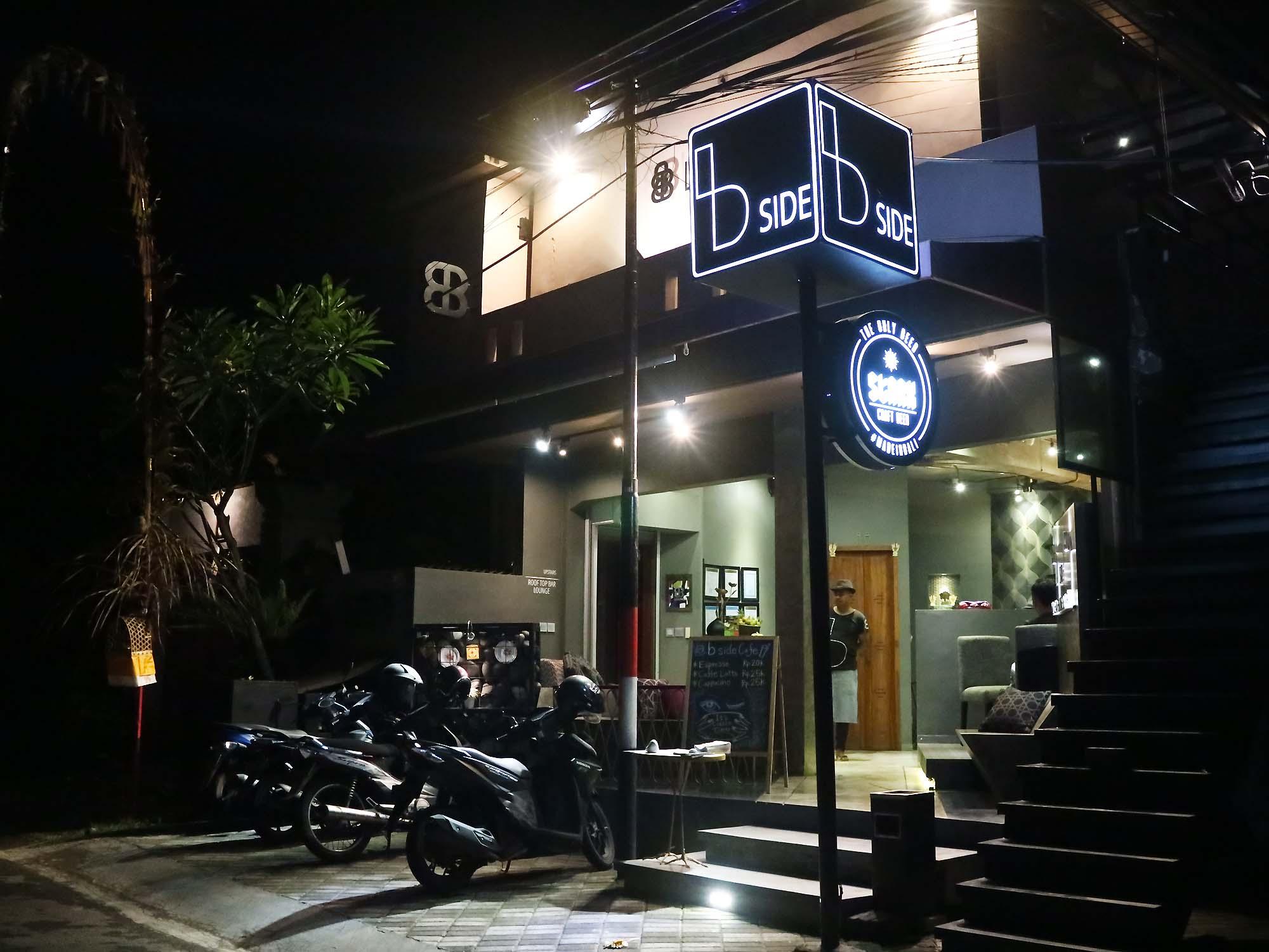 Modern Balinese Cafe bside