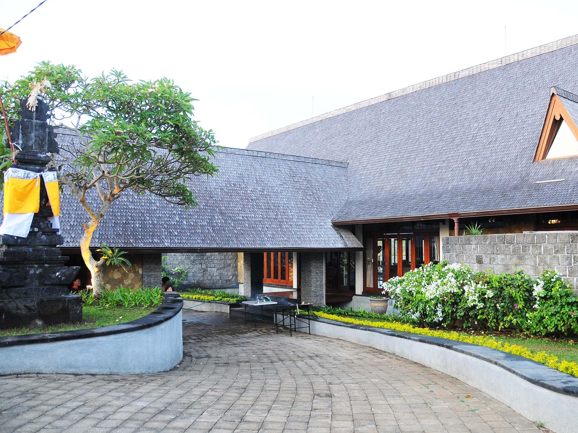 Khaya Villa